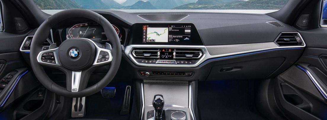 Vista interior del salpicadero del nuevo BMW Serie 3