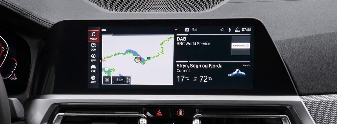 Vista detalle del sistema operativo multimedia del nuevo BMW Serie 3