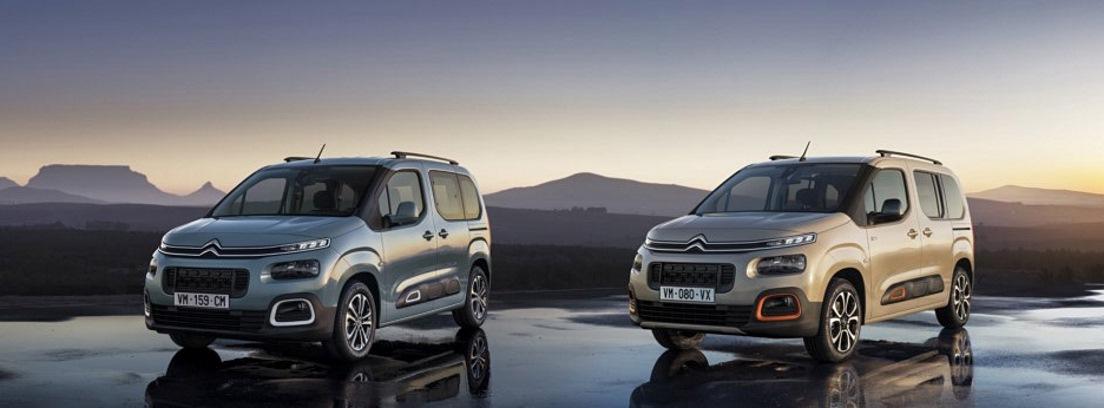 Dos modelos de Citroën Berlingo y fondo natural de montañas