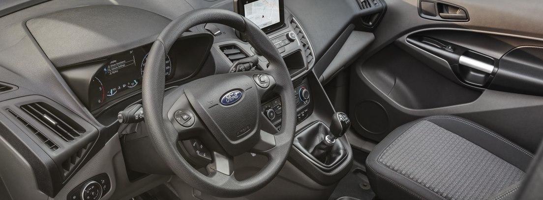 Vista interior del panel de instrumentos del nuevo Ford Transit Connect