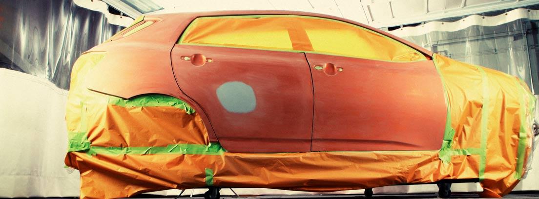 Coche empapelado y preparado para pintar con vinilo líquido
