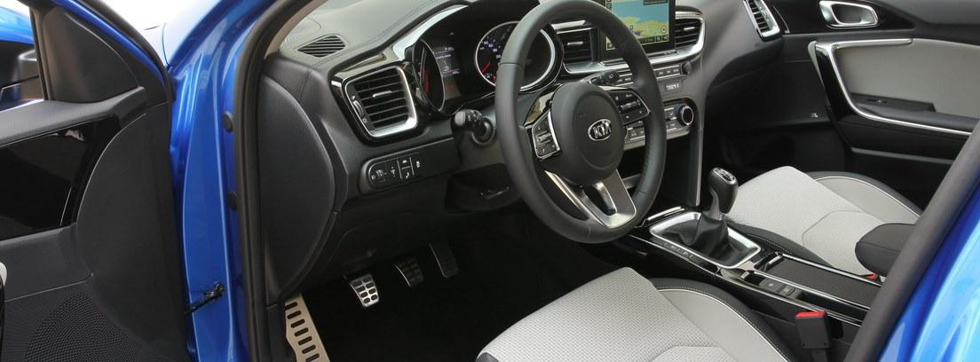 Interior delantero del nuevo Kia Ceed