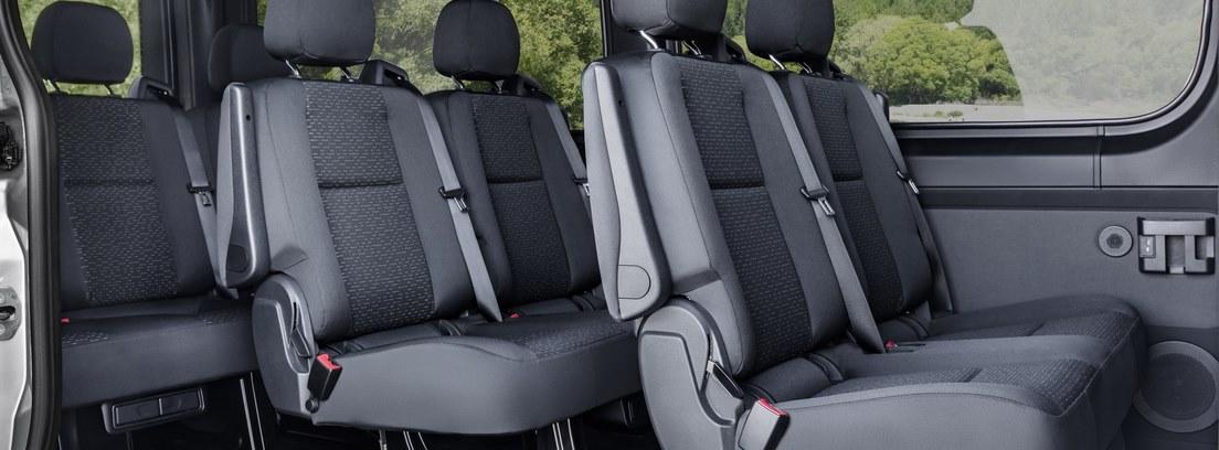 Vista interior de los asientos de la Mercedes Sprinter