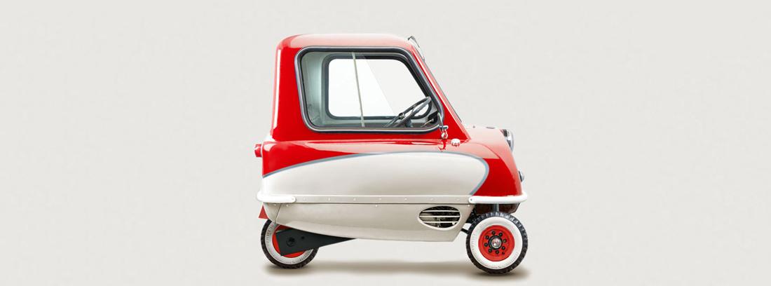 Peep P50 el coche más pequeño del mundo en color rojo y blanco.