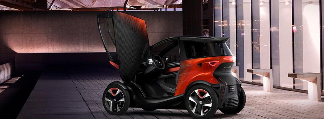 Coche Seat Minimó de color rojo y negro