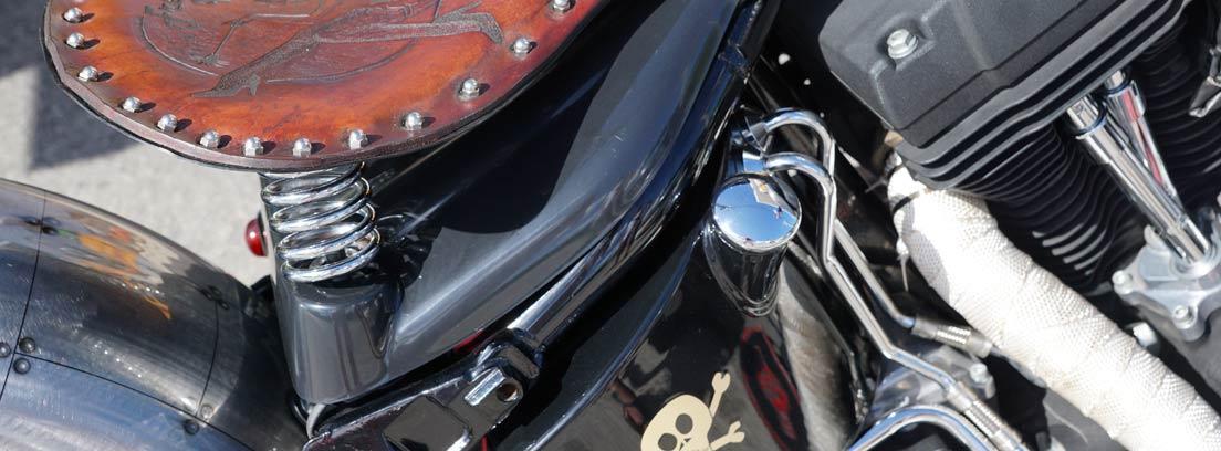 Asiento de cuero de una moto