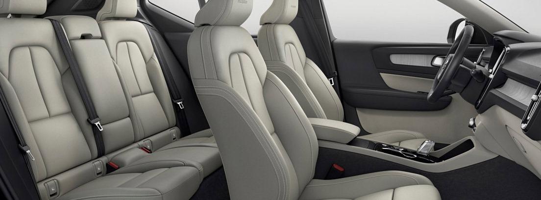 Interior bien acabado y cuidado de materiales de calidad del Volvo XC40