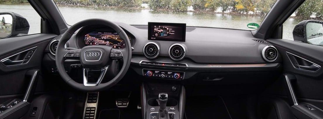 Detalle del salpicadero y el volante del nuevo Audi Q2