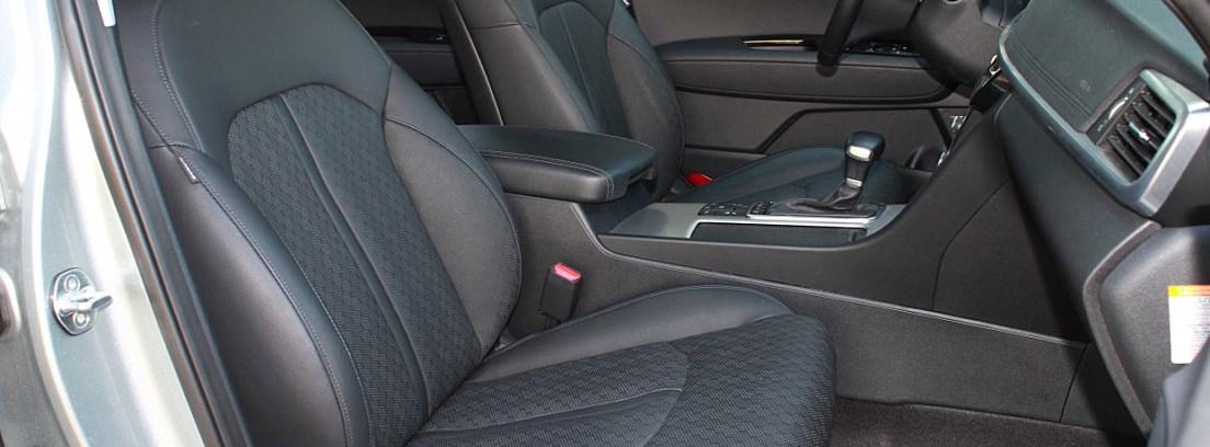 Kia Optima PHEV interior asientos delanteros