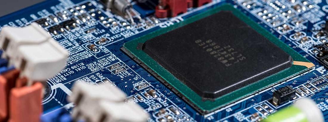 Chip instalado en un sistema electrónico