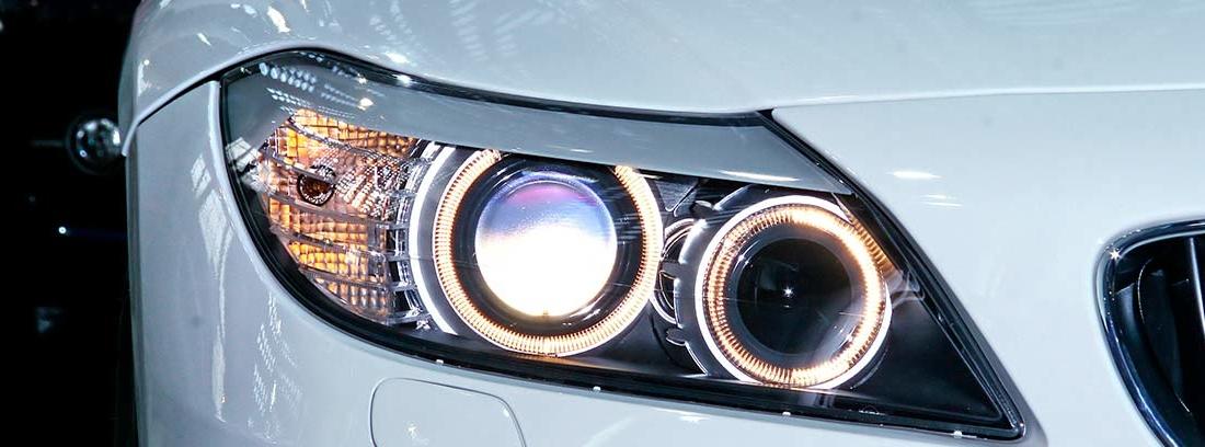 Tipos de luces de un vehículo