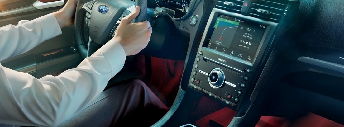 Interior del Ford Mondeo 2019