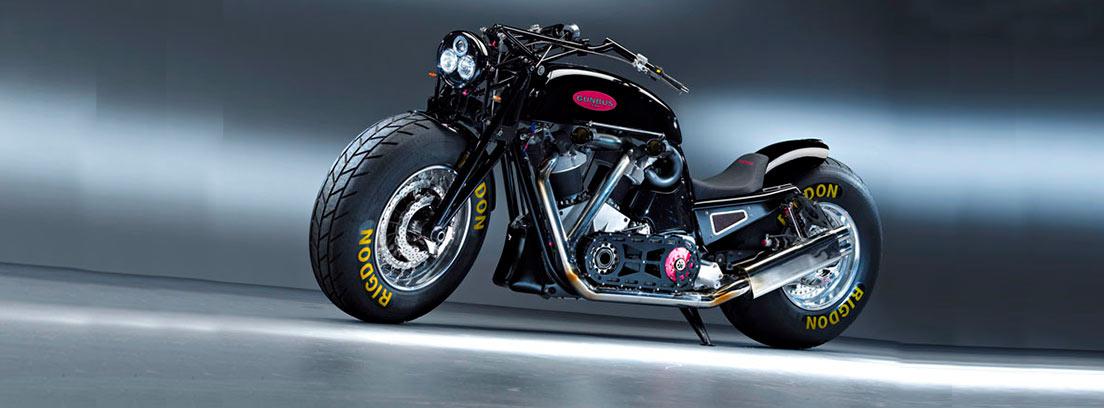 La moto más grande del mundo de color negro