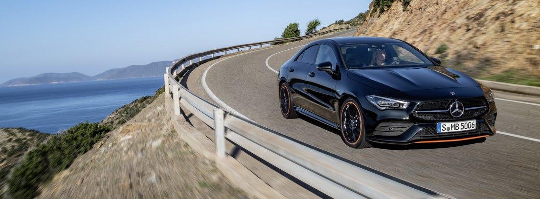 Mercedes CLA Coupe 2019 en carretera