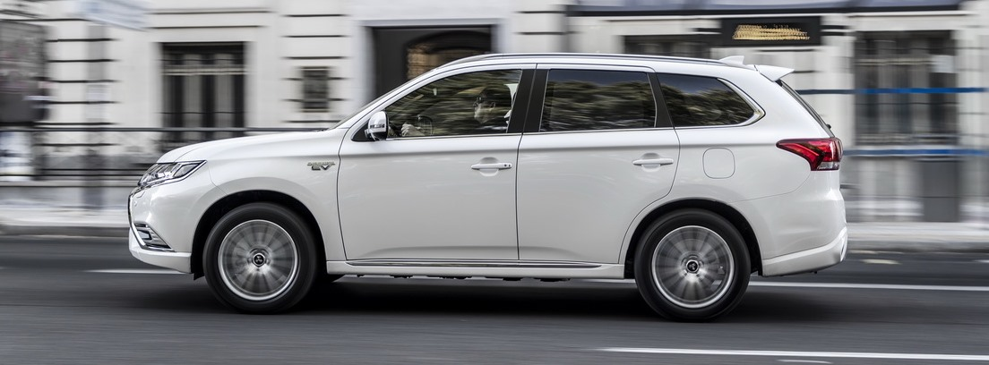 Mitsubishi Outlander PHEV. Amplitud interior y confort de marcha