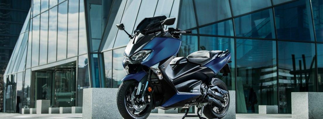 La nueva Yamaha T Max SX