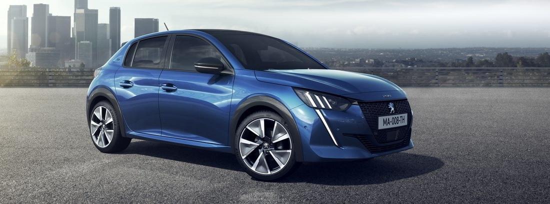 Imagen del Peugeot e-208 azul