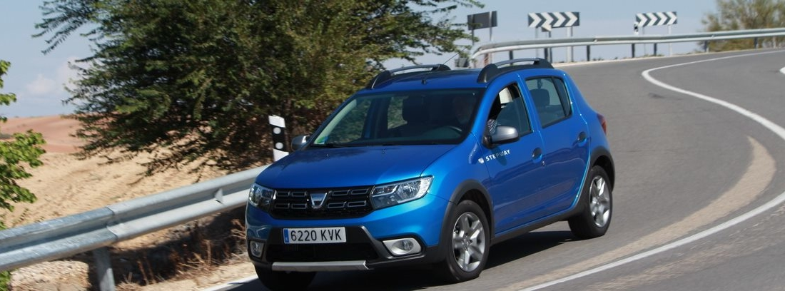 Dacia Sandero en carretera