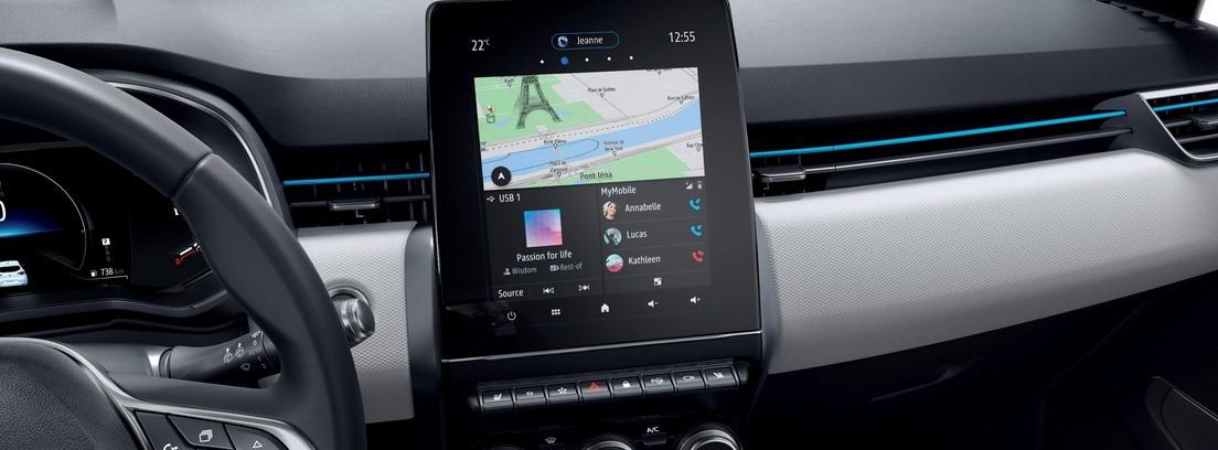 Detalle de la pantalla instalada en el salpicadero del Renault Captur E-Tech Plug-In