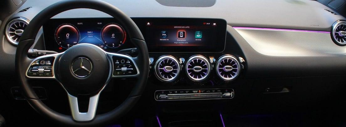 Interior del Mercedes Clase B 200