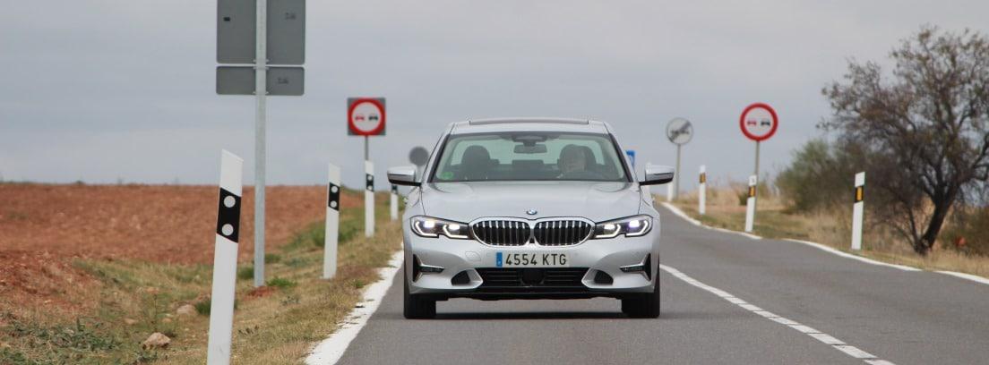 Visión frontal del BMW 320d (190 CV) Automático Luxury
