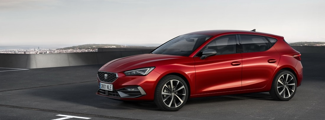 Seat León 2020 versión en rojo.