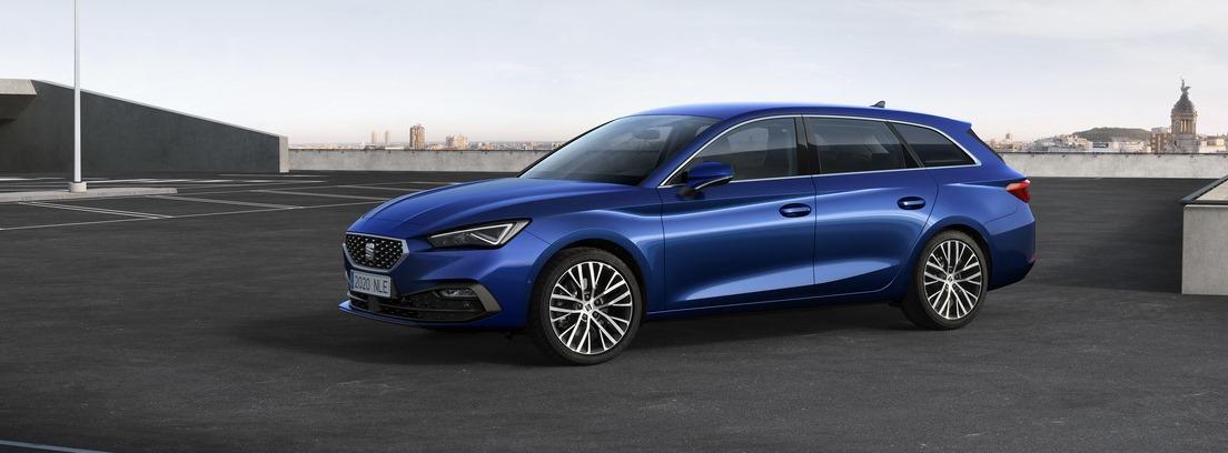 Seat León 2020 versión en azul