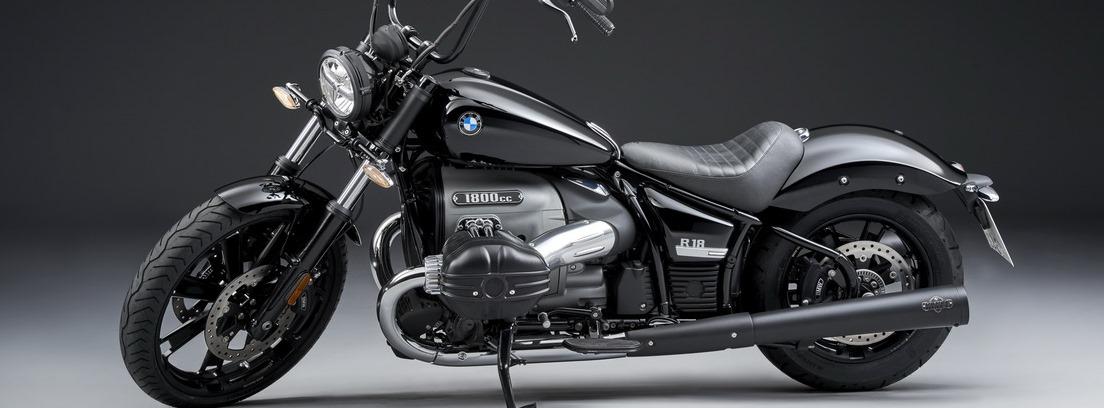 BMW R 18, foto de estudio