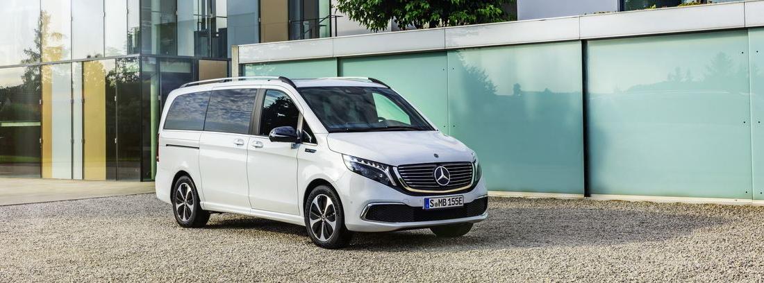 Ya puedes hacerte con un Mercedes EQV