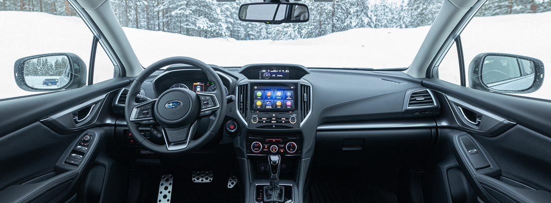 parte interna del Subaru Impreza Eco Hybrid