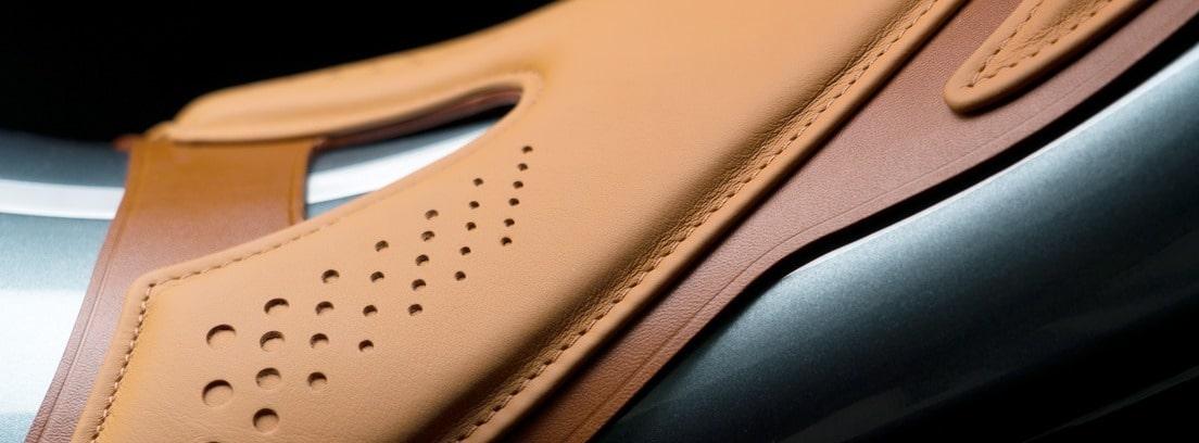 detalle asiento de Aston Martin Brough Superior