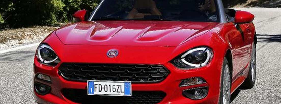 Fiat 124 Spider rojo