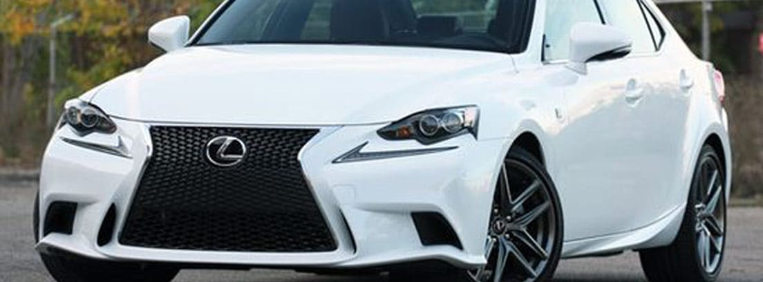 Lexus IS 300h blanco