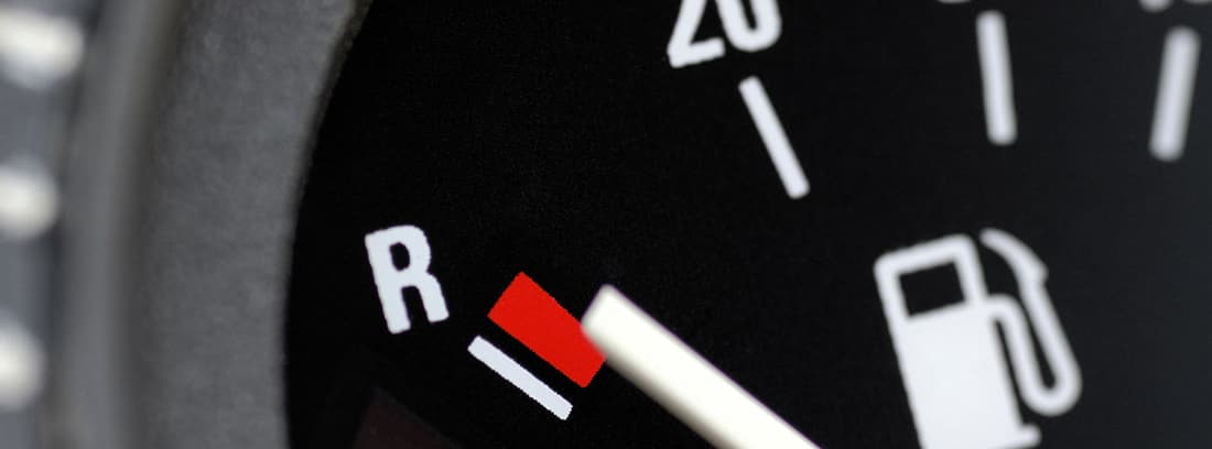 Medidor de combustible de un coche
