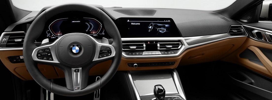 Imagen interior del salpicadero del BMW Serie 4 Coupé
