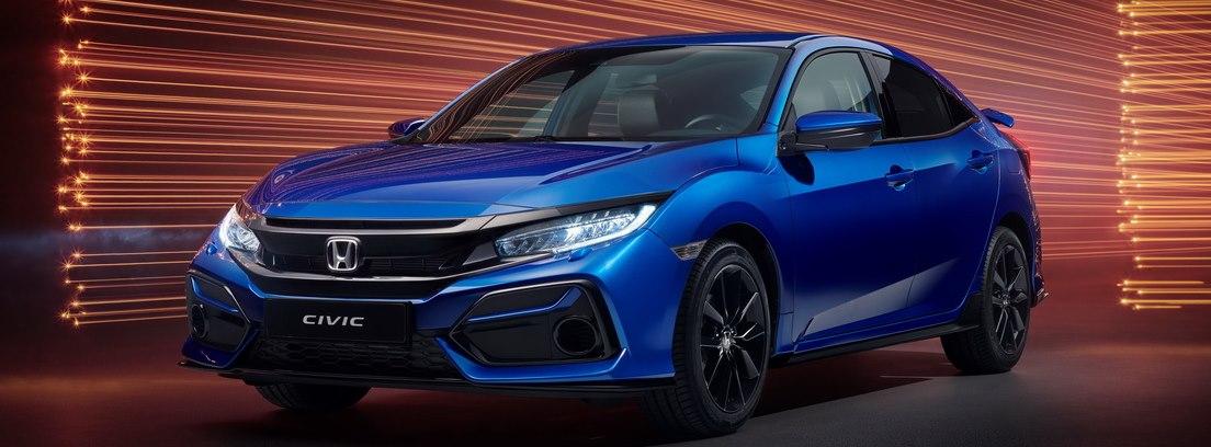 Honda Civic azul sobre fondo con luces