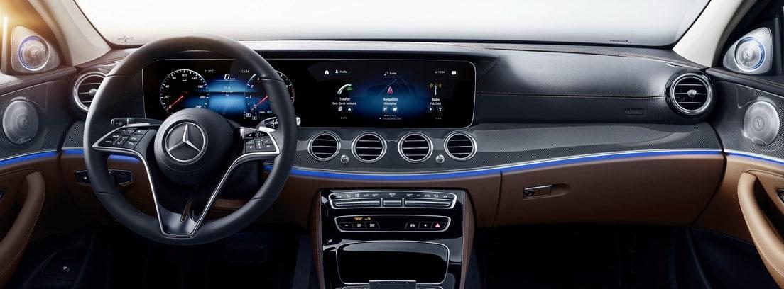 Mercedes Clase E interior y volante