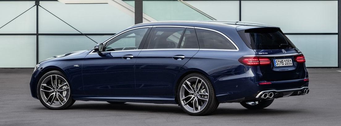 Mercedes Clase E azul