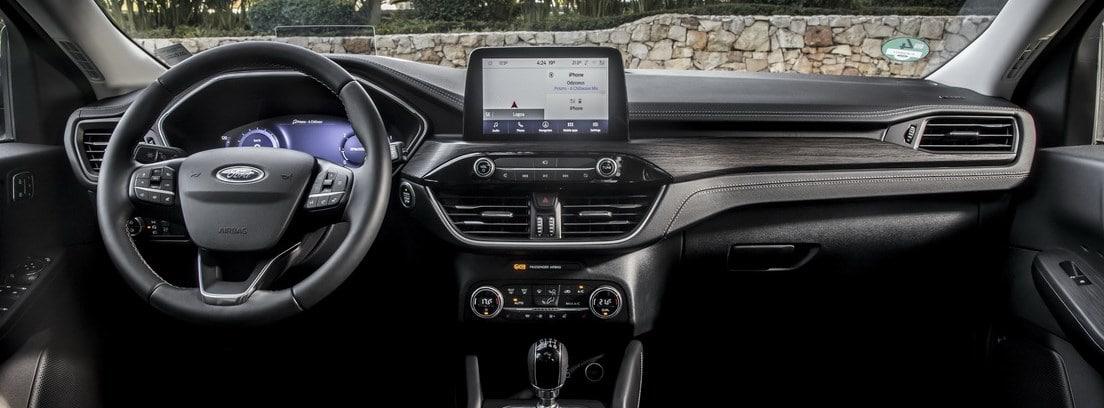 Vista interior del salpicadero del nuevo Ford Kuga 2020