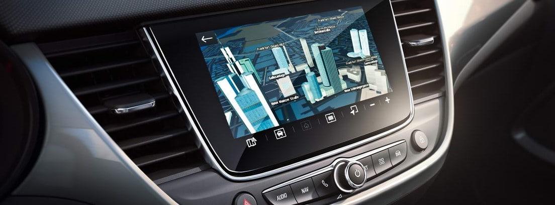 Detalle de la pantalla de infoentretenimiento del nuevo Opel Crossland