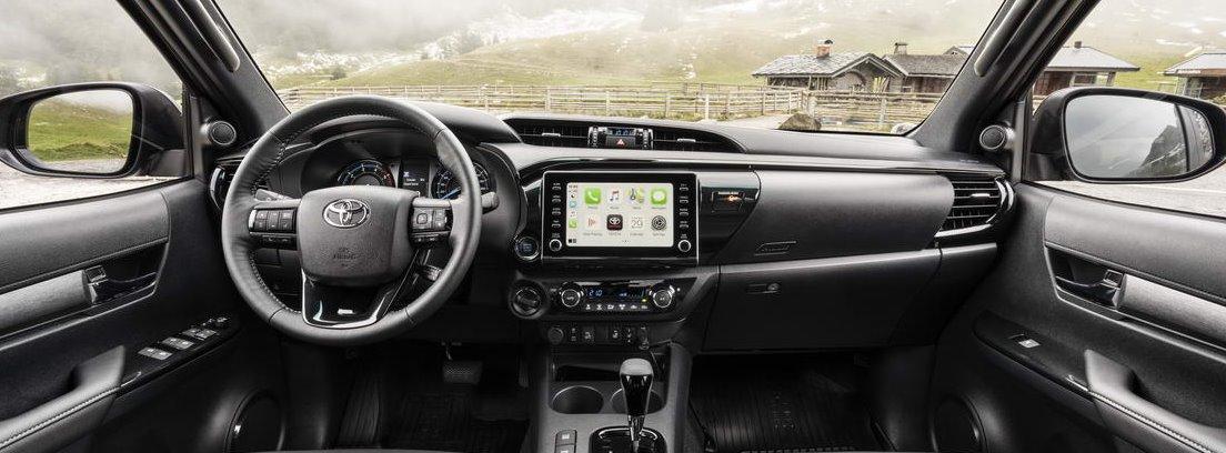 Vista detalle del habitáculo delantero del nuevo Toyota Hilux 2021
