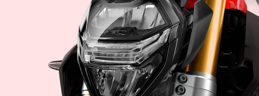 Imagen detalle del foco delantero de la nueva BMW F 900 R