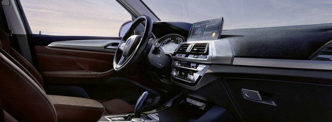 Habitáculo del conductor del nuevo BMW iX3