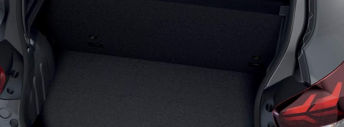 Vista en detalle del maletero abierto del Dacia Spring Electric