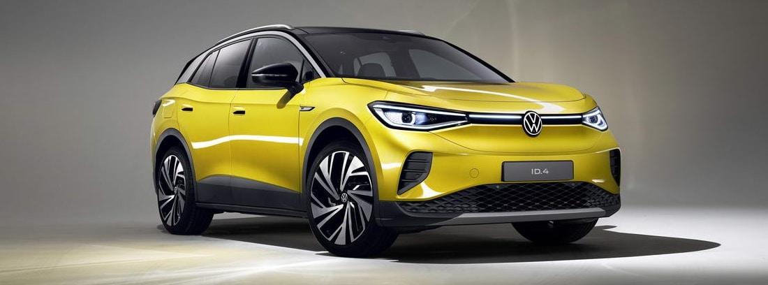 Nuevo Volkswagen ID.4 amarillo en una exposición