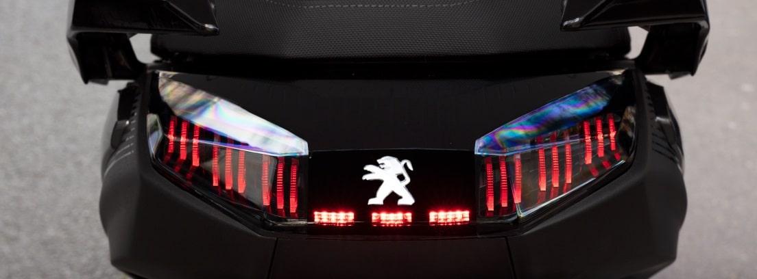 Detalle de las luces traseras de la nueva Peugeot Pulsion 125 RS