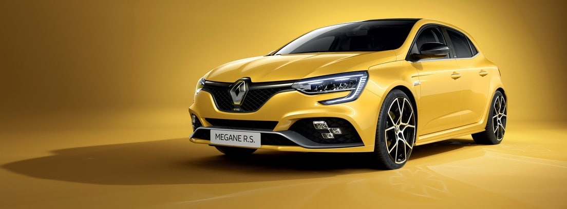 Renault Megane 2020 amarillo