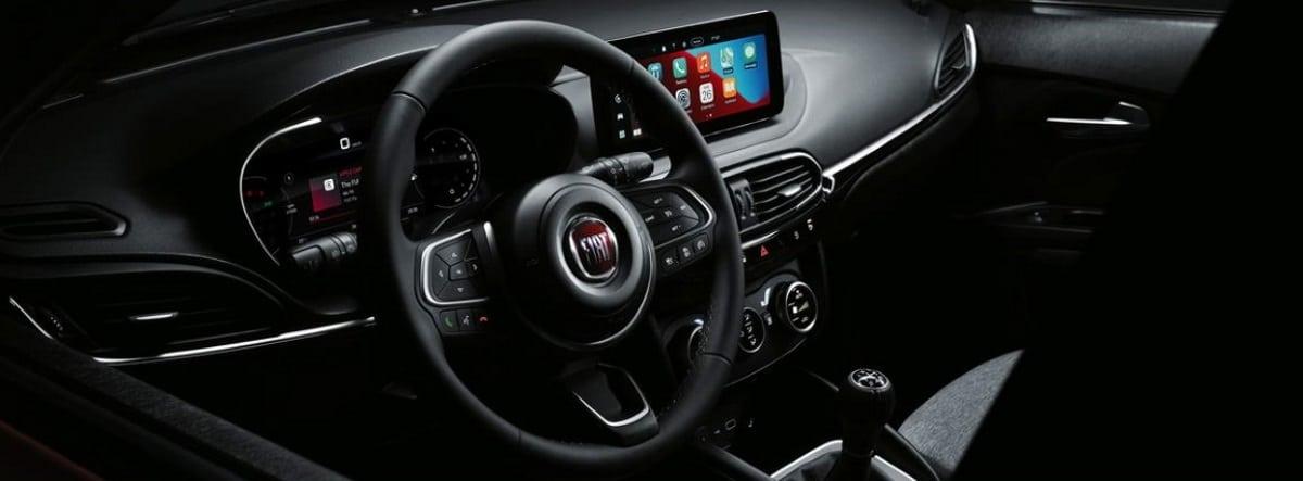 Vista detalle del volante junto al salpicadero del nuevo Fiat Tipo