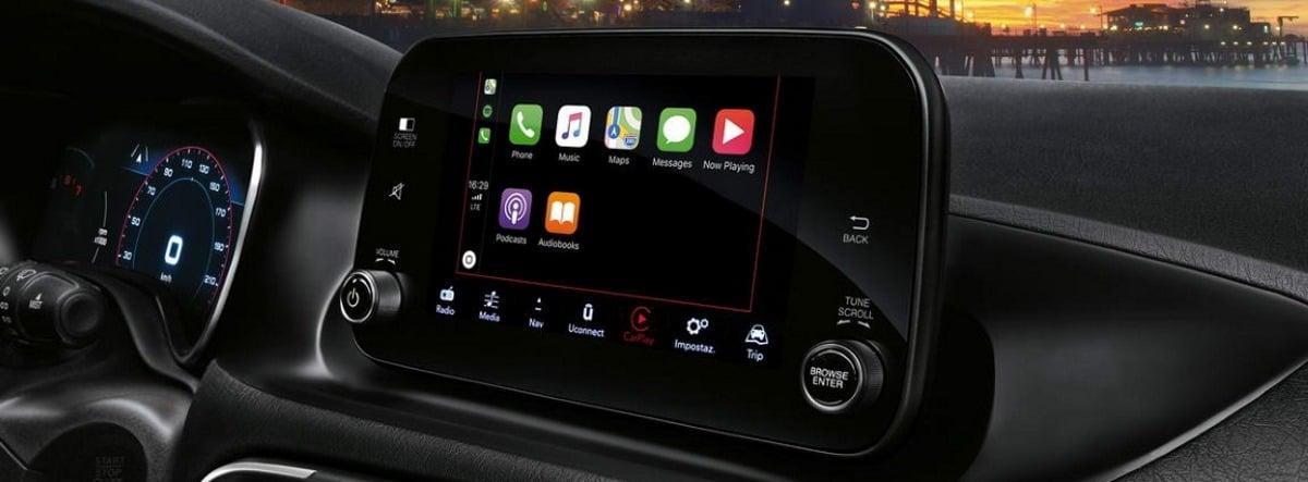 Vista detalle de la pantalla de infoentretenimiento del nuevo Fiat Tipo
