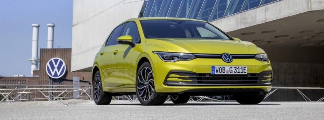 Nueva versión eHybrid del Volkswagen Golf en amarillo
